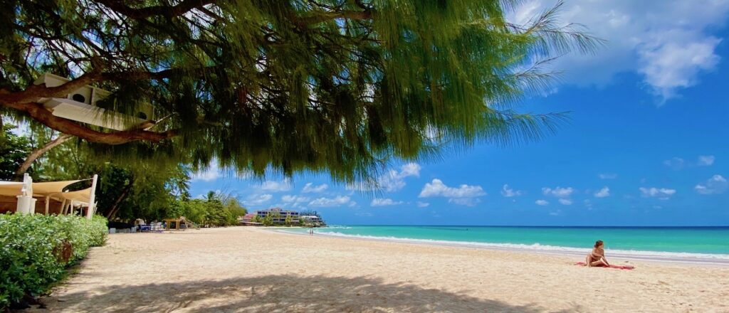 Enjoy the worlds best beaches and come and go as you please with the new one year visa for remote workers