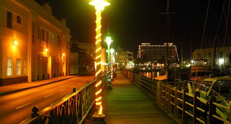 Boardwalk lit in Independence colors