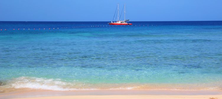 Tranquil beach at Holetown, Barbados
